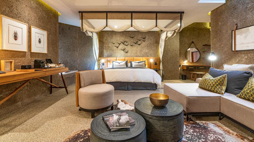 Sabi Sabi Earth Lodge | Lux Suite Bedroom